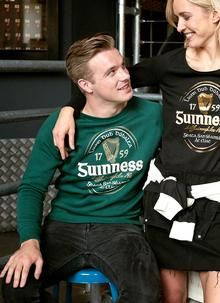 Guinness Irish Label Green Sweatshirt: Written in our beautiful Gaelic language, this this Guinness sweatshirt translates to 'extra stout' above the Guinness harp and 'St. Jame's Gate Dublin' below. Irish Language, Irish Fashion, Woolen Mills, Sweater Shop, Harp, Guinness, Graphic Sweatshirt, T Shirt, Dublin