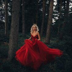 Photography Inspiration Dark Fairytale 60 Ideas For 2019 Fantasy Photography, Photography Women, Photography Photos, Amazing Photography, Fashion Photography, London Photography, Photography Magazine, Photography Backdrops, Photography Portfolio