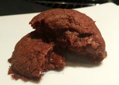 Ridiculously easy Nutella Fudge cookies that taste like one bite brownies! one sinfully awesome chocolate indulgence! Use GF flour to make this recipe gluten free! Gf Recipes, Baking Recipes, Cookie Recipes, Fudge Cookies, Nutella Cookies, Free Gf, Gluten Free, No Bake Desserts, Dessert Recipes