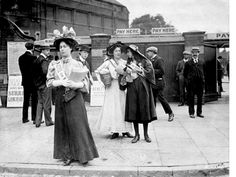 This photograph from 1908 shows three suffragettes selling the suffragette newspaper ' Votes for Women' at the entrance to the Oval Cricket Ground Old London, South London, Suffragette Colours, Radium Girls, Suffrage Movement, Vintage Photos Women, Brave Women, London Museums, Great Women