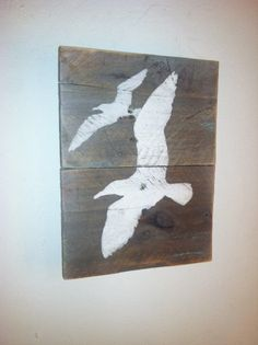 Rustic Sea Gull Wall Hanging  Hand Painted di TuckersMercantile, $24.95