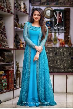 Best 12 Churidar models – Page 294774738108800288 – SkillOfKing.Com Best 12 Churidar models – Page 294774738108800288 – SkillOfKing. Designer Anarkali Dresses, Designer Party Wear Dresses, Designer Evening Gowns, Kurti Designs Party Wear, Indian Designer Outfits, Designer Gowns, Dress Designs, Blouse Designs, Shrug For Dresses