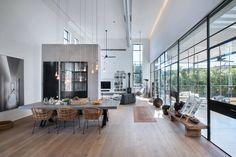 Pièce de vie séparée par une demie cloison #architecture #deco #design #houses #interiors
