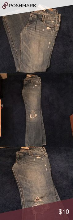 Hollister Venice boot jeans Hollister Venice boot cut jeans. Lightly destroyed, size 5 short. Worn but in great condition! No stains. Hollister Jeans Boot Cut