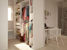 To optimize the square meters of the room, the dressing room must s'integrating perfectly into l'space. the solution of the dressing room which is also used Dressing Pas Cher, Grand Dressing, Dressing Room, Tiny House Loft, Room Furniture Design, Cheap Storage, Attic Spaces, Condo Living, Bedroom Storage