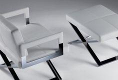 """Aster x pouf blanc  ster X Pouf imaginé par Jean-Marie Massaud, accompagne le fauteuil du même nom sur la base des sièges de metteurs en scène.  La structure du pouf Aster X est décidée, linéaire et croisée forme d'un """"X"""" caractéristique de la collection.  Designer :JEAN-MARIE MASSAUD Marque :POLTRONA FRAU Couleur :BLANC Dimensions : L 65cm H 32cm P 48cm  #Jbonet #design #PoltronaFrau"""