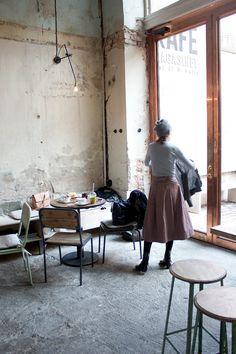 minimal vintage coffee shop