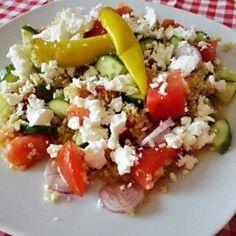 Bulguros parasztsaláta Tasty, Yummy Food, Kefir, Pepperoni, Cobb Salad, Feta, Grains, Rice, Bulgur