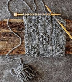 Happy friday friends ☕️ as of this morning freeway to california is closed due to fog and ice so i m going to stay at home and try this… Love Knitting, Knitting Stiches, Easy Knitting Patterns, Knitting Projects, Crochet Stitches, Baby Knitting, Stitch Patterns, Crochet Patterns, Knitting Daily