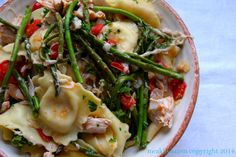Skillet Chicken & Ravioli #WeekdaySupper: This super yummy #WeekdaySupper features PERDUE® Signature Chicken Stock, rotisserie chicken, cheese ravioli, tomatoes, onions, garlic and asparagus. It's a quick, healthy and super delicious dinner that will be your table in less than 30 minutes!