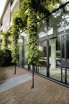 Super exterior facade house balconies ideas - All About Balcony Modern Exterior, Exterior Design, Green Facade, Balcony Plants, Exterior Paint Colors, Facade House, Dream Garden, Landscape Architecture, Garden Inspiration