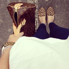 Sam Edelman leopard smoking shoe, louis vuitton monogram speedy, denim, loose tee = perfection. :) have all of this!!