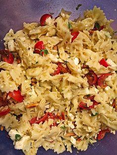 Nudelsalat griechische Art Snack Recipes, Snacks, Fried Rice, Nom Nom, Fries, Salads, Bbq, Pizza, Ethnic Recipes