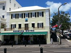 The Veendam  is in Hamilton tonight and... it is the first night of #HarbourNight so come and enjoy then, stop into Bermuda Bistro for a new German brew and a tune or two! @raypasnen plays at 9 pm.