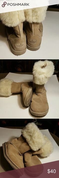 UGG Inspired Tan Suede American Outfitters Boots AMERICAN EAGLE OUTFITTERS 100% suede upper with faux fur, mid calf boots super warm, soft, comfortable and cute! American Eagle Outfitters Shoes Flats & Loafers