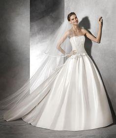 Baronda, Brautkleid für den Winter aus Tüll