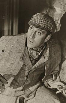 Basil Rathbone (Johannesburgo, Sudáfrica, 13 de junio de 1892 – Nueva York, Estados Unidos, 21 de julio de 1967) fue un actor británico que se hizo famoso por sus interpretaciones de Sherlock Holmes y de elegantes villanos en películas de espadachines tales como El signo del Zorro (1940) y Robin de los bosques (1938).