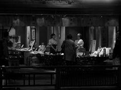 """...Kyoto XVI... - ...black and white series w kontynuacji wirtualnych monologów prowincjusza o fotografii - ujęcie """"z wolnej ręki"""" (non-stabilized freehand) bez wspomagania lampą błyskową (without a flash), camera """"Lumix"""" DMC-FZ8..."""