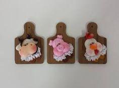 Resultado de imagem para imã de geladeira de biscuit engraçados