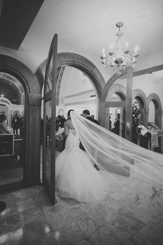 Here comes the bride! red gallery photography, greek orthodox cathedral columbus, ohio wedding, ohio wedding photographer, columbus ohio wedding