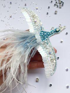 Брошь птица Счастья Embroidered bead brooch  bird. Bead jewelry