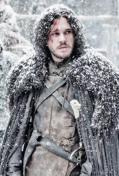 Jon Snow. Note difference in color between black belt and brown leather jerkin. Also, the middle side buckle is broken. I have noticed this in other screen caps as well