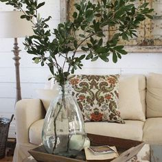 Pin for Later: 22 Farm-Tastic Decorating Ideas Inspired by HGTV Host Joanna Gaines You Think Branches Are Just as Beautiful as Flowers Country Farmhouse Decor, French Country Decorating, Country Chic, Modern Farmhouse, Farmhouse Style, Fixer Upper Decor, Outdoor Dining Furniture, Up House, Magnolia Homes