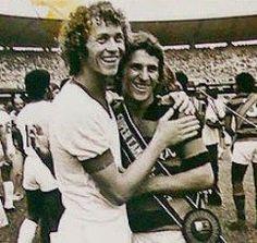 Zico e Falcão, no Maracanã, em 80. Os dois encantariam o mundo em 82, na Copa da Espanha.   Foto: Arquivo Pessoal de Zico
