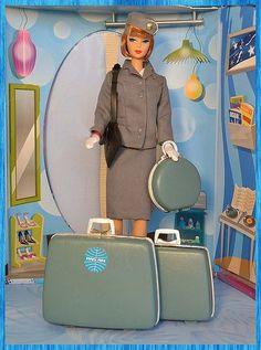 39edded16273396478ec034a29d48799--painted-suitcase-vintage-barbie-dolls.jpg (372×500)