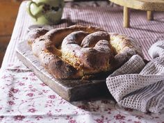 Mandelkuchen aus Hefeteig - smarter - Zeit: 30 Min. | eatsmarter.de