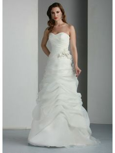 Organza A-Line Strapless Sweetheart Neckline Rouched Bodice Wedding Dress