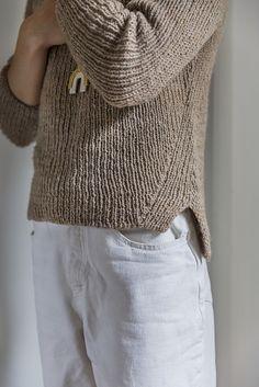 Ravelry: Denes Sweater pattern by Jess Schreibstein Sweater Knitting Patterns, Knitting Designs, Knit Patterns, Knitting Projects, Hand Knitting, Knitting Tutorials, Loom Knitting, Knitting Ideas, Knitting Needles