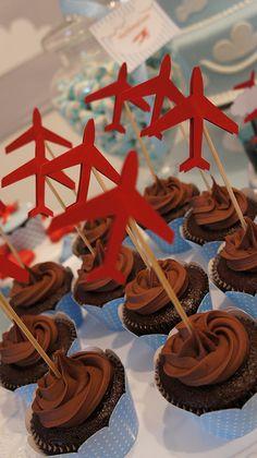 Cupcakes com toppers de avião!  008 by PraGenteMiúda, via Flickr