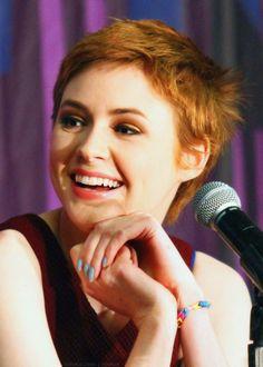 KAREN GILLAN IS SO BEAUTIFUL I DON'T CARE WHAT YOU SAY SHE IS JUST ASDF;LKJASDF;LKJASDF;LKJ LOOK AT HER