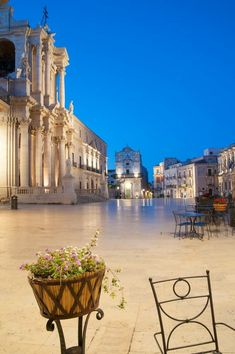 Siracusa The Good Place, Scenery, Explore, Mansions, Architecture, House Styles, City, Amazing Places, Squares