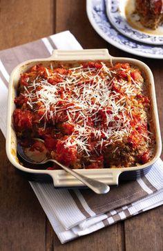 Frikkadelle met tamatie-en-uiesmoor   SARIE   Meatballs with tomato and onion relish