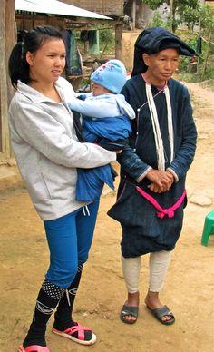 Mun Lantien Sha people, Ban Nam Dee  village, Luang Namtha province, Lao PDR - 2015