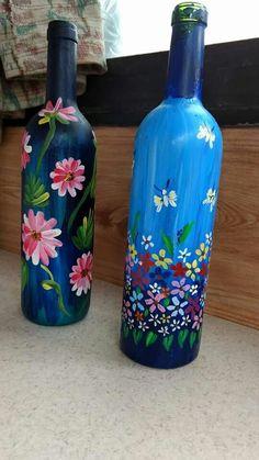 Reuse Wine Bottles, Recycled Glass Bottles, Glass Bottle Crafts, Wine Bottle Art, Painted Wine Bottles, Lighted Wine Bottles, Plastic Bottle Art, Glass Painting Designs, Flower Bottle