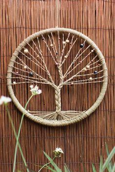 70 tuto capteur de rêve, modèle très intéressant avec un réseau de fils en forme d'arbre
