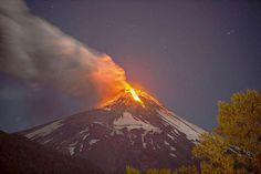 Tagesspiegel - Der Vulkan Villarrica im Süden von Chile ist am Dienstag ausgebrochen. - März 2015