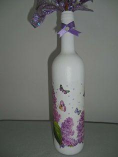 Garrafa decorativa tema borboleta. Decorative theme Butterfly Bottle