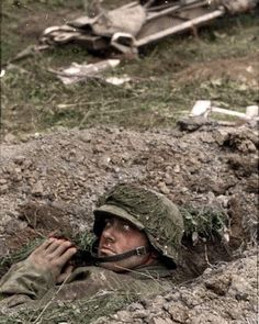 SS soldat in Kursk, July Pin by Paolo Marzioli German Soldiers Ww2, German Army, American Soldiers, Luftwaffe, Germany Ww2, Ww2 Pictures, German Uniforms, War Photography, World War One