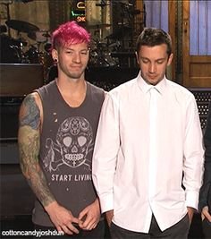 HOLY CRAP! Josh is the cuttest person in thr world :3 and the way he hold his hands *3*