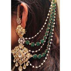 We spy something rather glamorous and old school doing the bridal rounds these days. These gorgeous earrings with hair chains are ALL the rage and whether you like them heavy and ornate or dainty and . Indian Jewelry Earrings, Jewelry Design Earrings, Indian Wedding Jewelry, Ear Jewelry, Wedding Jewelry Sets, Mughal Jewelry, Pakistani Jewelry, Wedding Accessories, Rings
