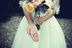 country-chic bridal bouquet details