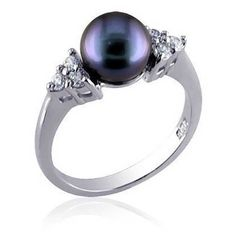 Bling Jewelry Sterling Silver CZ Gray Cultured Pearl Dress Ring (£18) ❤ liked on Polyvore featuring jewelry, rings, jewelry-rings, joias, black, cubic zirconia band rings, black ring, black cubic zirconia rings, cubic zirconia rings and black sterling silver ring