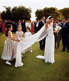 Wedding Guest Etiquette: Rules to Stick to and Faux Pas to Avoid