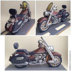Купить или заказать Мотоцикл - модель (пряник / печенье) в интернет-магазине на Ярмарке Мастеров. Не знаете , что подарить заядлому байкеру? конечно копию его любимого мотоцикла! от такого подарка он точно будет в восторге! А может он только мечтает о байке или еще слишком мал для него)))? в любом случае это отличный подарок для мужчины любого возраста! Примерный размер 20-25 см в длину , ок. 5 в ширину и 10-15 в высоту. Стоимость расчитывается индивидуально.