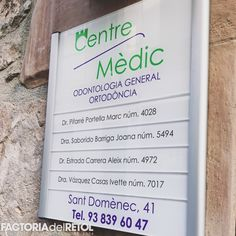 #metacrilat #vinil #retolacio #impressiodigital #alumini #factoria #factoriadelretol #wearefactoria #fdr #centremedic Bullet Journal, Medical, Cover, Orthodontics, Blankets, Active Ingredient