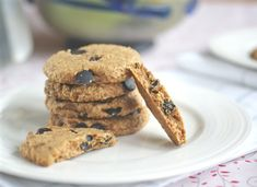 Butterscotch-Oatmeal Chocolate Chip Cookies--perfect afternoon snack! Vegan, no refined sugar, gluten-free.